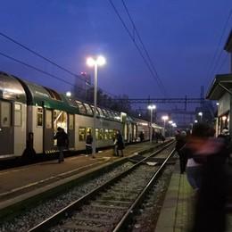 Treni in ritardo per un guasto Mattinata nera per i pendolari