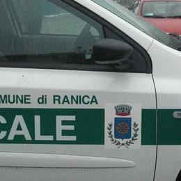 Brutta caduta da una scala Grave 21enne a Ranica