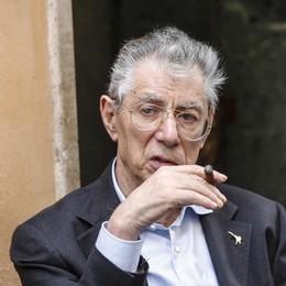 Malore per Umberto Bossi La Lega: «Non è stato un ictus»