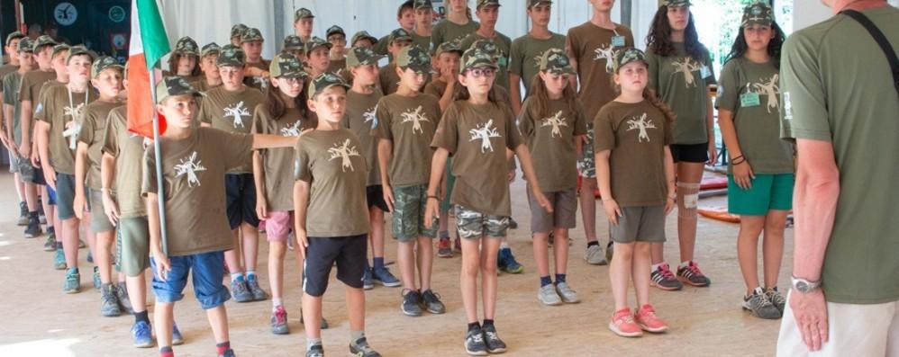 I ragazzi di Azzano imparano dagli alpini Inizia il campo scuola delle penne nere
