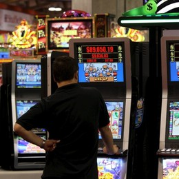 Duemila malati di azzardo Nella Bassa scatta il giro di vite