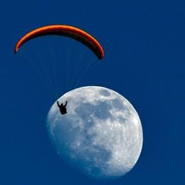 In arrivo la Superluna più grande dell'anno  Sarà martedì: pronti per fotografarla?