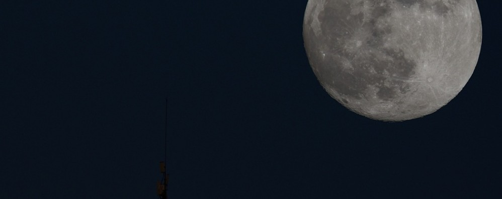 Stasera è la serata della Superluna   Mandaci la tua foto più bella