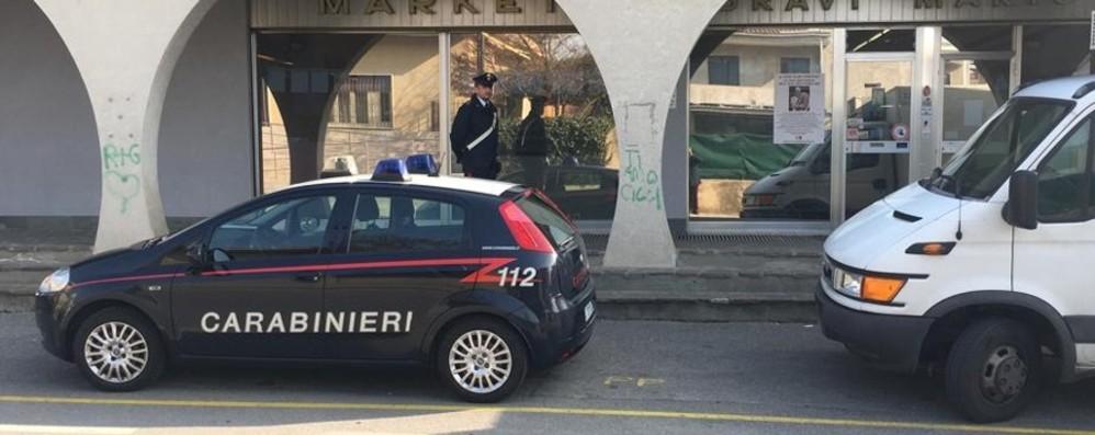 Minaccia la cassiera e rapina panificio I carabinieri lo arrestano a Bagnatica