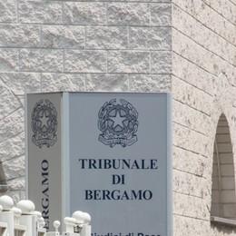 Sparò per errore alla fidanzata Villa d'Almè, patteggia l'ex guardia giurata
