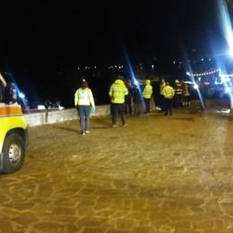 Finisce con l'auto nel lago d'Iseo Muore un 28enne nella notte