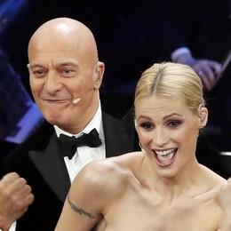 Michelle malata, telefona a Sanremo Ma è una gag: canta e balla - Le foto