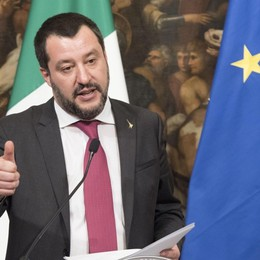 Salvini pronto a far saltare il banco
