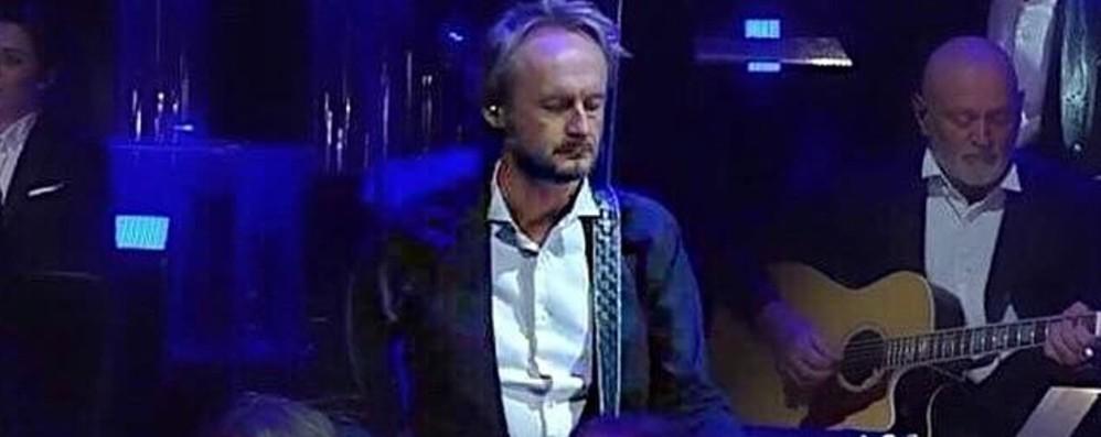 Il chitarrista più inquadrato di Sanremo? È maestro al conservatorio di Bergamo