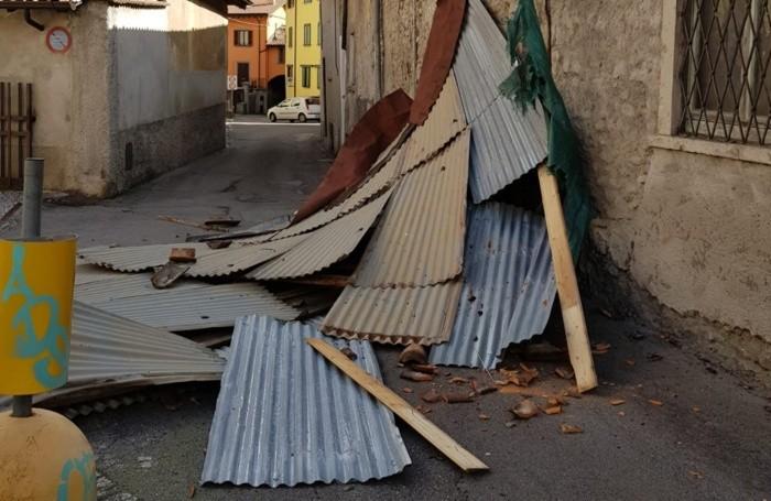 Il tetto caduto a Fiorano al Serio