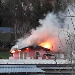 Forte vento, super lavoro per i pompieri Albino, Cazzano e Bonate: tetti in fiamme