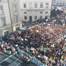 Bergamo, oltre 4.000 in marcia per il clima  Studenti: «Il futuro è da cambiare oggi»