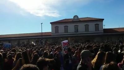 Marcia sul clima degli studenti a Bergamo
