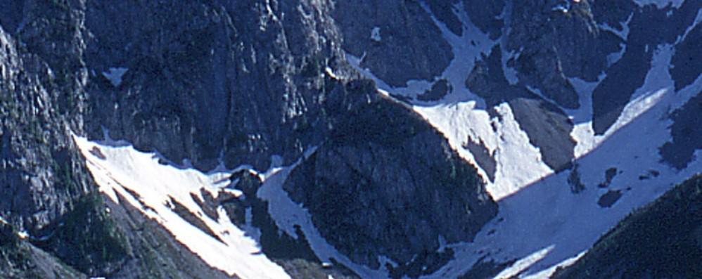 Sfiniti e con i crampi, bloccati in parete  Salvati dall'elicottero a Schilpario