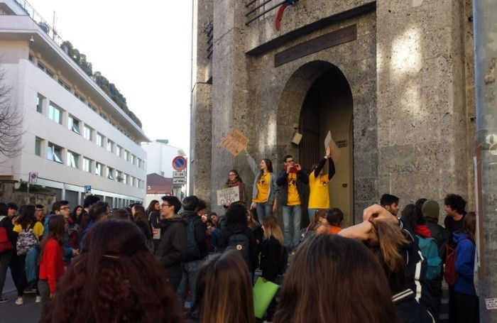 Studenti al liceo scientifico Lussana di Bergamo