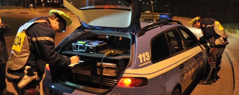 Dalmine, controlli stradali: ritirate 6 patenti In 6 su un'auto, uno nascosto nel bagagliaio