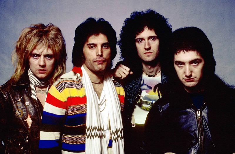 QUEEN TRIBUTE SHOW & DJ SET
