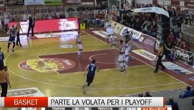 Basket, parte la volata per i playoff