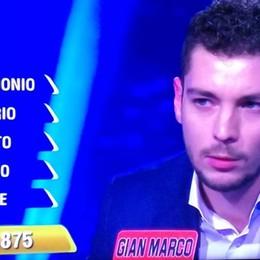 Gian Marco, protagonista de «L'Eredità»  Da Villa d'Ogna lo studente sbaglia parola