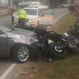 Auto contro moto, tragedia in via Fara Muore un uomo di 69 anni di Bergamo