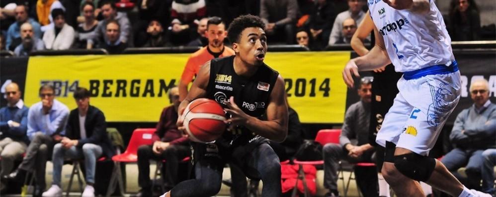 Basket, Bergamo è fuori a testa alta Treviso va in finale di Coppa Italia