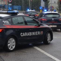 Coppia di ladri scappa dopo un furto  Si ribaltano, sull'auto anche figlia di 2 anni