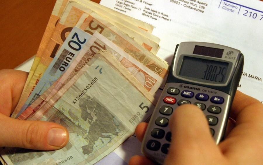 Bolletta più cara per 122mila bergamaschi Consorzio: «Necessario per pagare le opere»