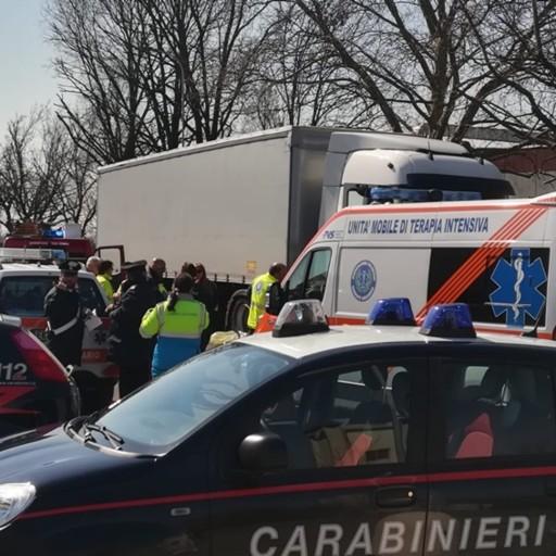 Camionista colto da malore a Casirate Trovato senza vita all'interno dell'abitacolo