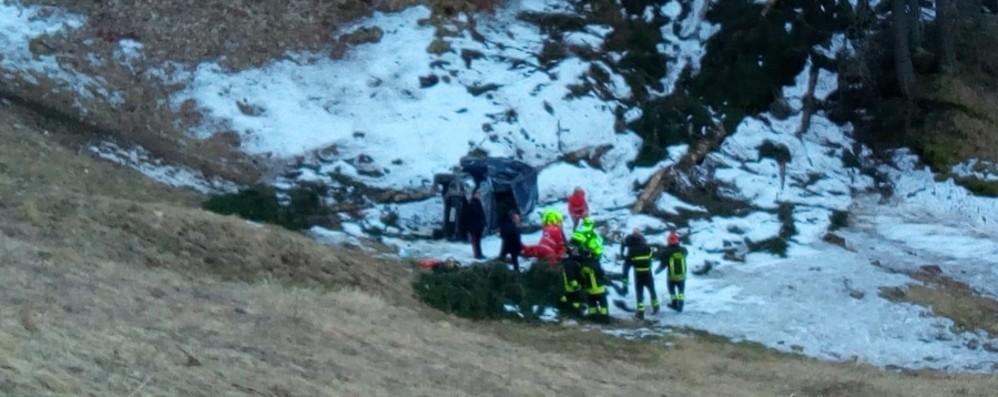 Auto nel dirupo a Carona La vittima è Elio Midali - Video