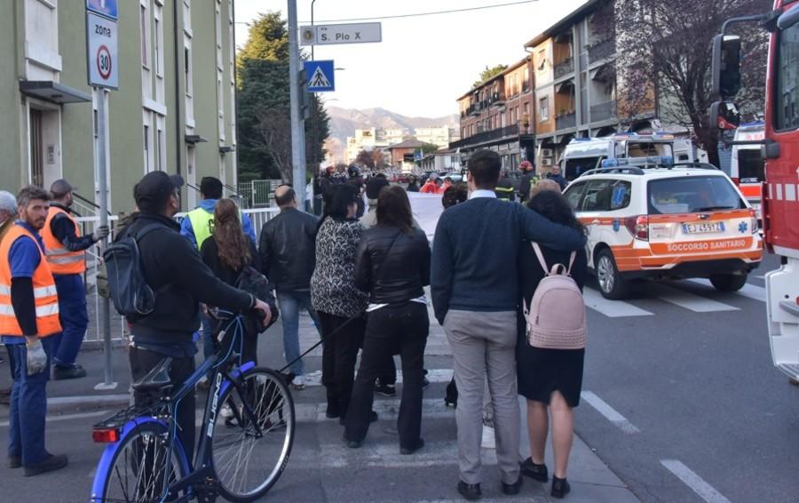 Bergamo, travolti sulle strisce Morto il marito, moglie gravissima