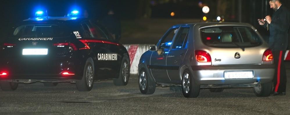 Stava riparando l'auto della figlia Tragedia a Tagliuno, 70enne muore travolto