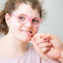 Ester, non parla ma vive di emozioni La 16enne con la sindrome di Angelman