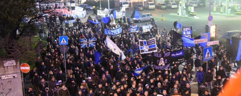 Manifestazione dei tifosi «per Claudio» Marcia a Bergamo il 13 aprile