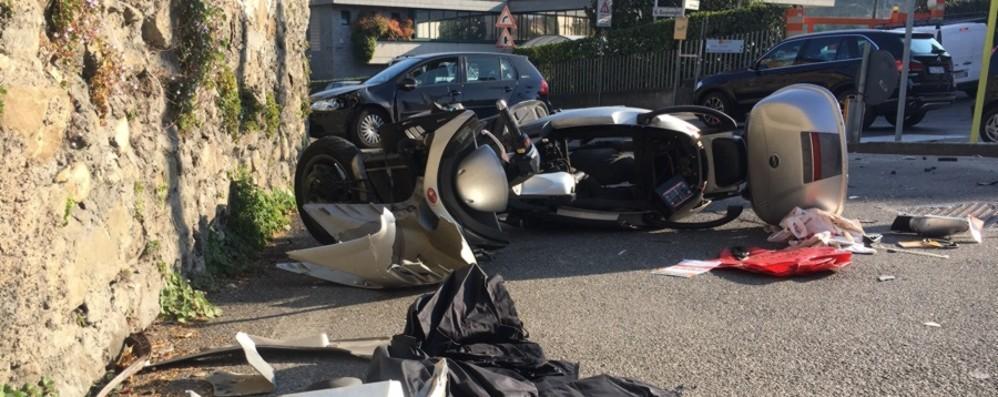 Villongo, violento scontro auto moto In ospedale una donna, code - Foto