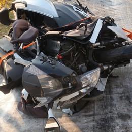 Moto contro auto a Casnigo Il vigile del fuoco  in prognosi riservata