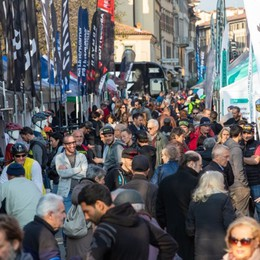 Bici elettriche, test e tour guidati Weekend in sella sul Sentierone