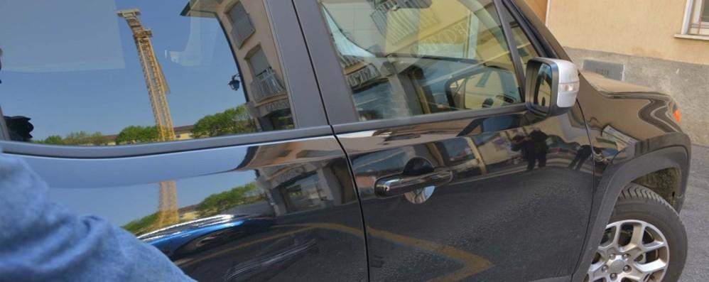 Castelli Calepio, truffa dello specchietto Ma l'ex camionista fa fuggire il furfante
