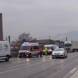Valle Seriana, incidente sulla provinciale  Quattro feriti tra Nembro e Albino