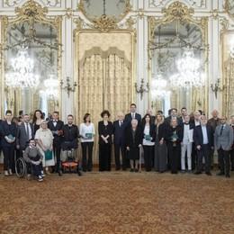 Mattarella premia due bergamaschi «Voi siete l'Italia che crea solidarietà»