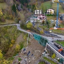 Vilminore, duemila metri di pali e tiranti In aprile riapre la strada dopo la frana