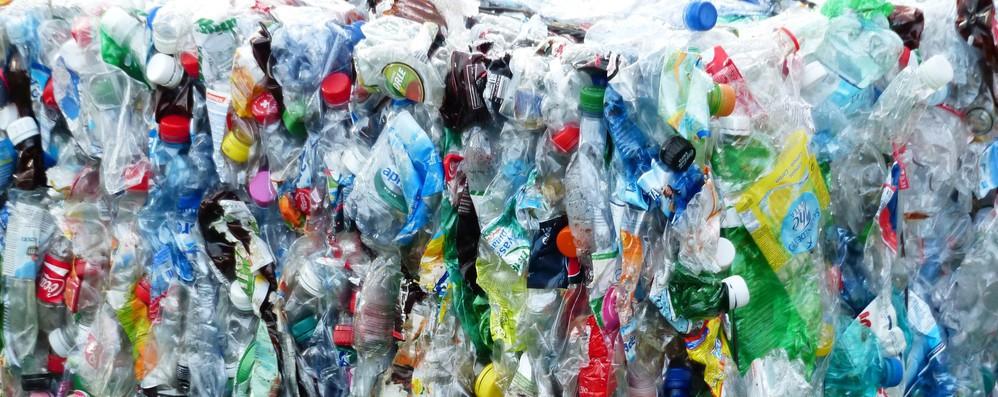 Ambiente: Ue, Italia ok su riciclo ma problemi acque e smog