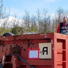 Da Prato 50 tonnellate di rifiuti tessili  Perquisiti studi professionali a Bergamo