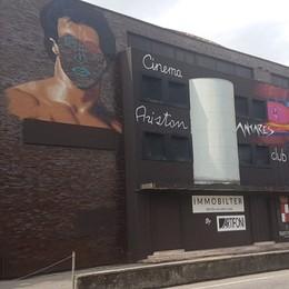 Murales e graffiti per l'addio all'«Antares»  Zingonia, in vendita i locali del «Motion»