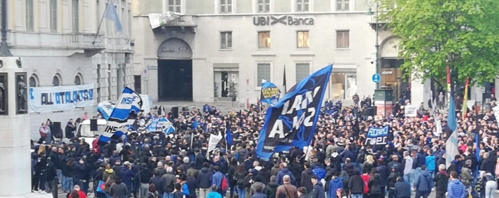 «Claudio libero»: il corteo nerazzurro Multe e proteste sulla sfilata per il Bocia