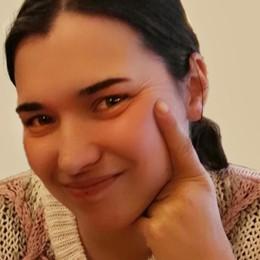 Silvia, volata via con il sorriso a 29 anni Endine piange la mamma di tre bimbi