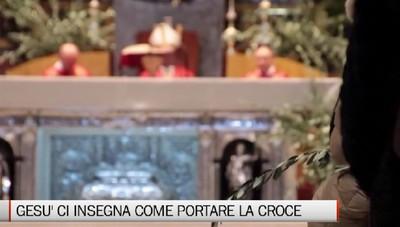 Domenica delle Palme - Il vescovo: «Gesù ci insegna come portare la croce»