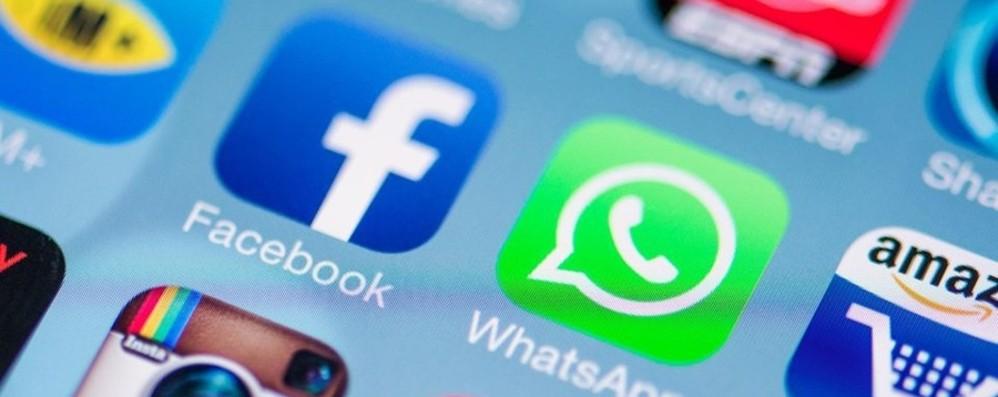 Facebook, Instagram e Whatsapp down Social bloccati tre ore per molti utenti