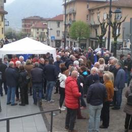 No alle zone rosse «anti migranti» Calolzio, i parroci scrivono al sindaco