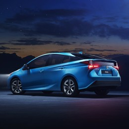 Toyota Prius AWD-i Inizia la vendita