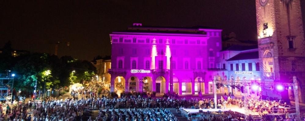 Venti palchi e 80 eventi in vie e piazze Il 15 giugno torna la Donizetti Night